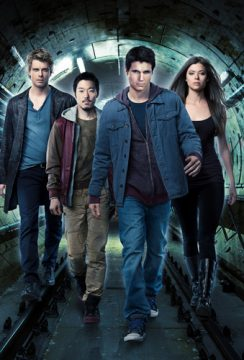 The Tomorrow People -- -- Pictured (L-R): Luke Mitchell as John, Aaron Yoo as Russell, Robbie Amell as Stephen and Peyton List as Cara -- Photo: Mathieu Young/The CW ©2013 The CW Network, LLC. All Rights Reserved