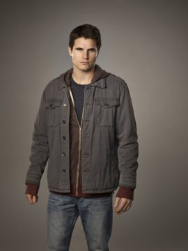 The Tomorrow People -- -- Pictured: Robbie Amell as Stephen -- Photo: Mathieu Young/The CW ©2013 The CW Network, LLC. All Rights Reserved