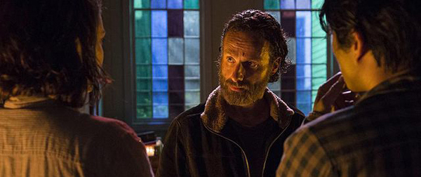 the-walking-dead-four-walls-and-a-roof-rick-maggie-and-glen1