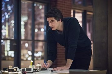 """Arrow -- """"Brotherhood"""" -- Image AR407A_0336b.jpg -- Pictured (L-R): Brandon Routh as Ray Palmer -- Photo: Dean Buscher/The CW -- © 2015 The CW Network, LLC. All Rights Reserved."""